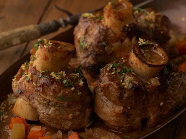 Giada's Osso Bucco #UltimateComfortFoodFood Network, Giada De Laurentiis, Ossobuco, Italian Food, Osso Buco, Osso Bucco, Beef, Ossobucco, Dutch Ovens Recipe