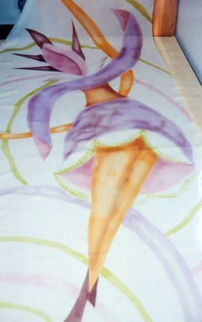 Seta crepe de chine dipinta.  Deka silk con aerografo.