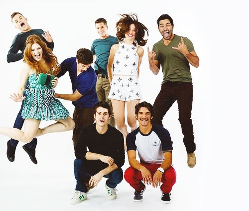 Holland Roden, Daniel Sharman, Crystal Reed, Tyler Hoechlin, Dylan O'Brien, Tyler Posey and Max & Charlie Carver