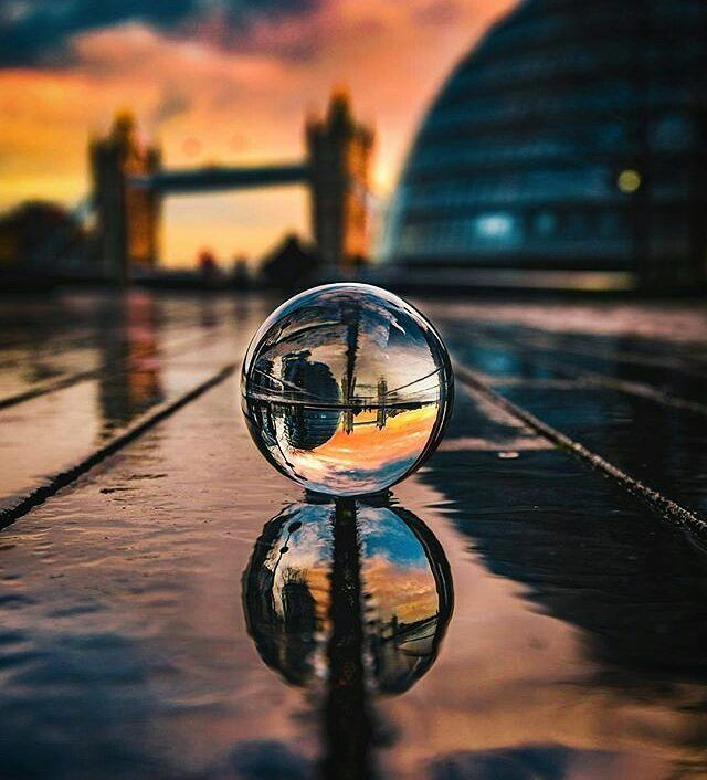 Spherical Crystal Ball Lens Gets You Amazing Photographs | Reflection  photography, Photography accessories, Amazing photography