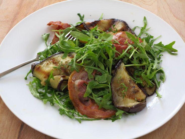 Koolhydraatarme lunchsalade met gegrilde aubergine