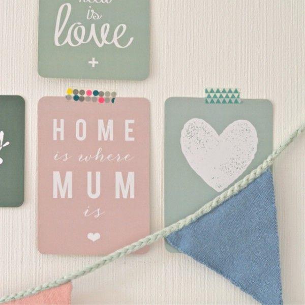 carte postale Home is where Mum is rose Cinqmai - deco-graphic.com