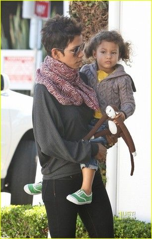 Dwacon® » Baubels… Bangles… and Halle Berry's Scarf…