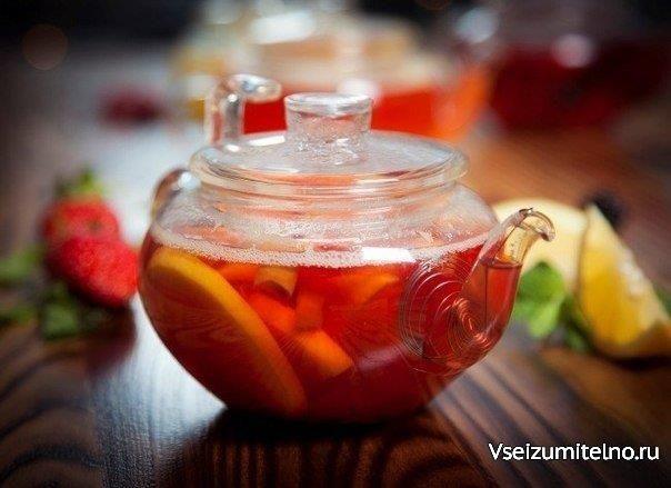 За чаем не скучаем: 10 рецептов горячих напитков 1. Клюквенный чай…