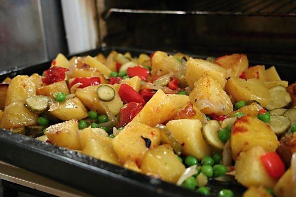 Brambory pečené se zeleninou