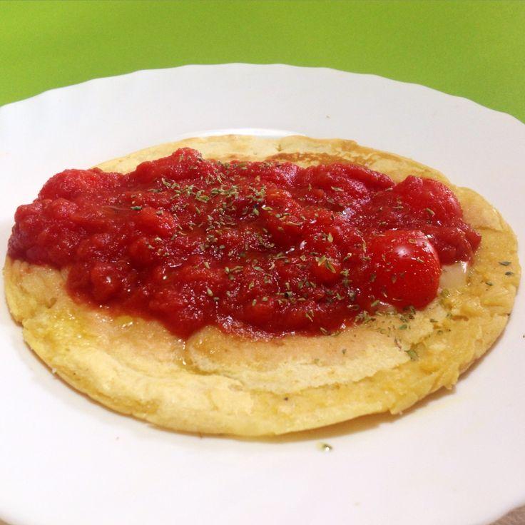 #Omelette fatta con #farina di #ceci, #acqua e drink di #soia!! Un po' di #pomodoro e possiamo leccarci i baffi!! ☺️  Seguiteci su www.ricettelastminute.com  #ricette #ricetta #pomeriggio #cena #sera #italy #italia #sicily #sicilia #pachino #catania #photooftheday #pictureoftheday