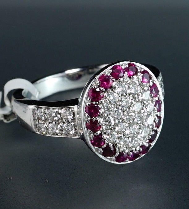18k oro bianco diamante Halo rubino ovale moderno design Oro anello di ElegantFineJewelry su Etsy https://www.etsy.com/it/listing/269636507/18k-oro-bianco-diamante-halo-rubino