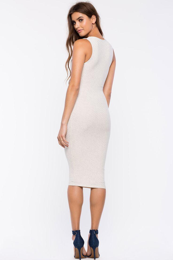 Платье-футляр Размеры: M, L Цвет: серо-желтый Цена: 2210 руб.  #одежда #женщинам #платья #коопт