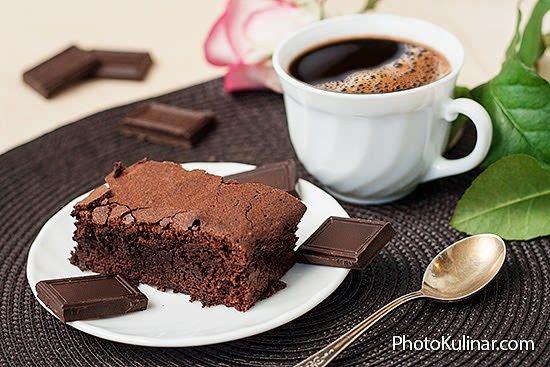 Шоколадный кекс брауни: без шоколада, но с какао
