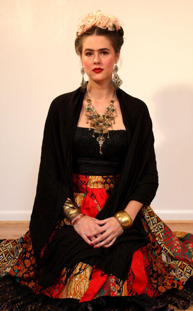 What I Wore Halloween Guide: Frida Kahlo - click thru for more photos/inspiration