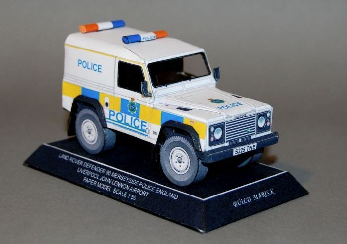 Liverpool Police Land Rover Defender 90 Free Vehicle Paper Model Download - http://www.papercraftsquare.com/liverpool-police-land-rover-defender-90-free-vehicle-paper-model-download.html#135, #Defender, #Defender90, #LandRover, #LandRoverDefender, #LandRoverDefender90, #SUV