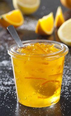 GELEE D'ORANGES OU DE CITRONS (Pour 7 à 10 pots : 2,5 kg d'oranges ou 2 kg de citrons - 1,2 kg de sucre - 1 sachet de Vitpris)