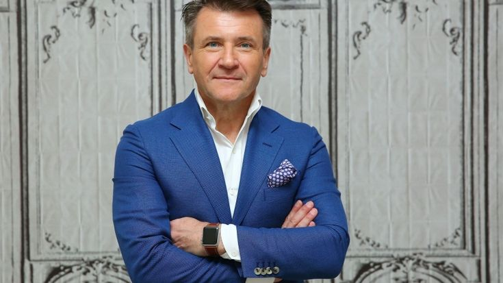 My 5 Essential Tips for Selling Anything to Anyone - #RobertHerjavec