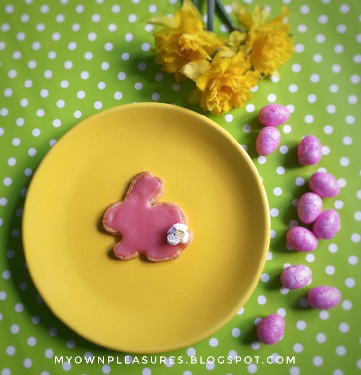 Wielkanocne zające z różowym lukrem przepis