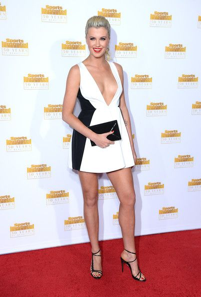 Ireland Baldwin Lookbook: Ireland Baldwin wearing Ponytail (13 of 19). Ireland Baldwin looked just like a doll with her curly ponytail at the Sports Illustrated Swimsuit Issue 50th anniversary bash.
