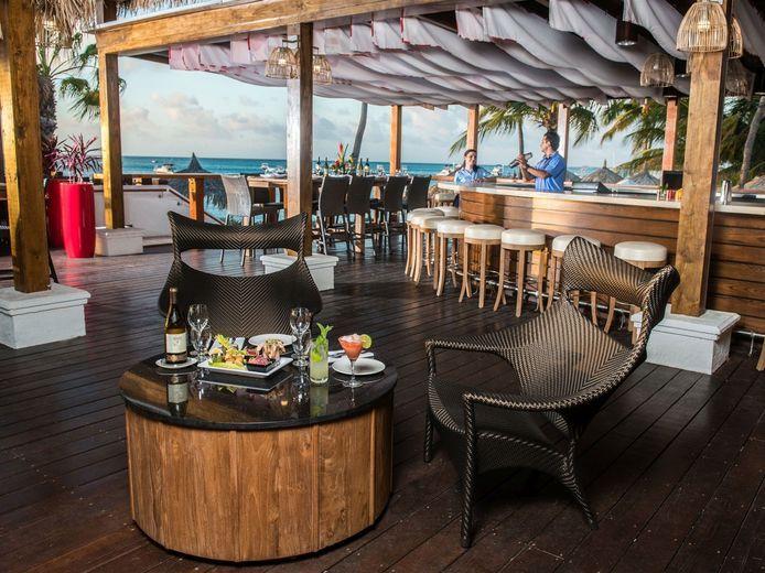 Holiday Inn Aruba Sea Breeze Restaurant and Bar 03
