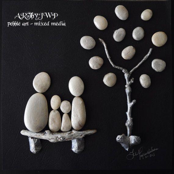 Galet unique Art famille et arbre en argent et noir  par ARTbyJWP