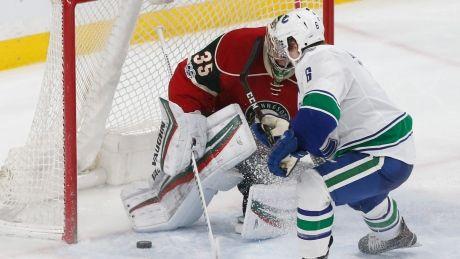 Canucks' Brock Boeser scores game-winner in NHL debut