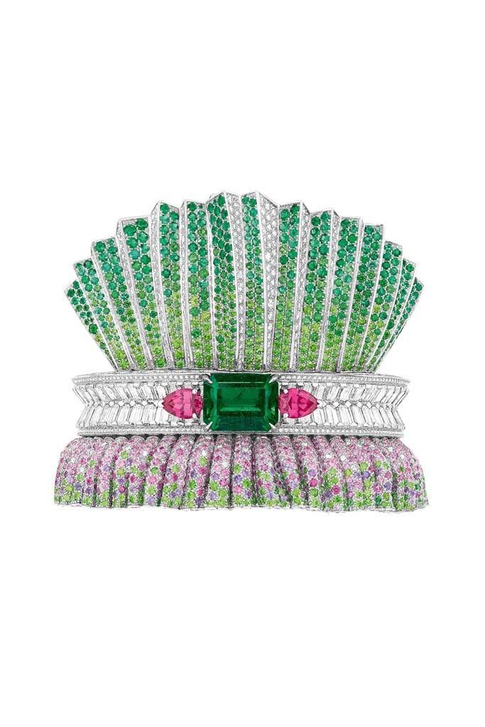 Dior's Bar en Corolle Emeraude bracelet. [Courtesy Photo]