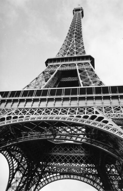 Eiffel Tower: Ideas, Paris Eiffel Towers, Awesome Pictures, Black And White, Black Frames, Towers Pictures, Paris France, White Eiffel, Places I D