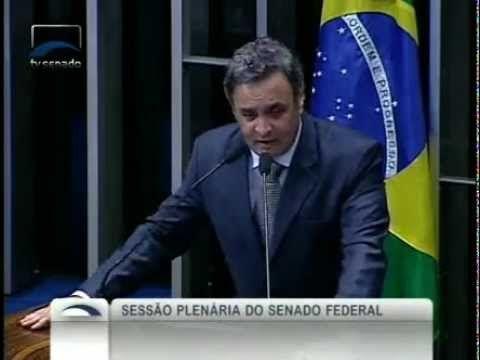 Aécio Neves aponta 13 fracassos do PT depois de dez anos no governo