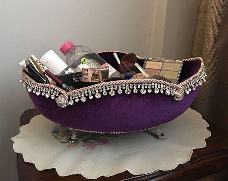 Düğün mevsiminde gelin hanımlarımıza güzel makyaj sepetleri hediye edin. Tabi ki Tubtasarım ayrıcalığı ile  #mor#tas#makyaj#sepet#nisan#bahar#tubtasarim #elemegi #enguzel #urunler #burada
