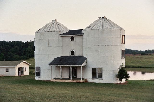 Now this is a silo home woot alternative houses silo for Silo home designs