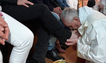 Pope Francis Washes Mafia Prisoners' Feet In Catholic Ritual | The Huffington Post