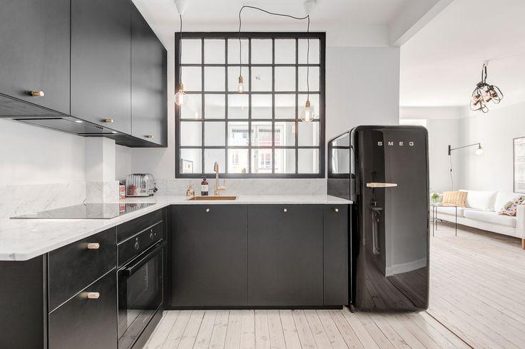 Snyggt kök med påkostade materialval