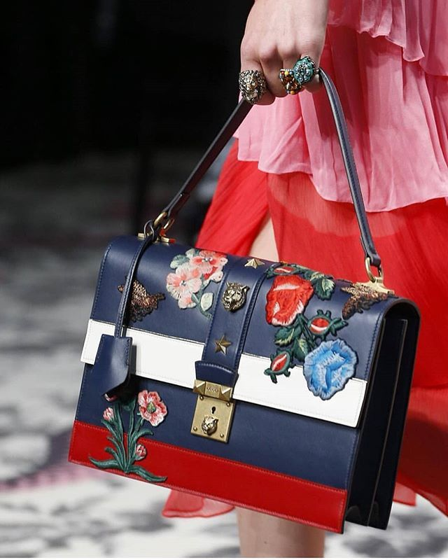 a5354324dc6d #gucci 's 2016 runways! Most iconic gucci bag! #gucci #fashionweek  #fashionkillsfamily #fashionkil… | ACCESSORIES .... Shoes, Bags, Scarfs ,  Belts .