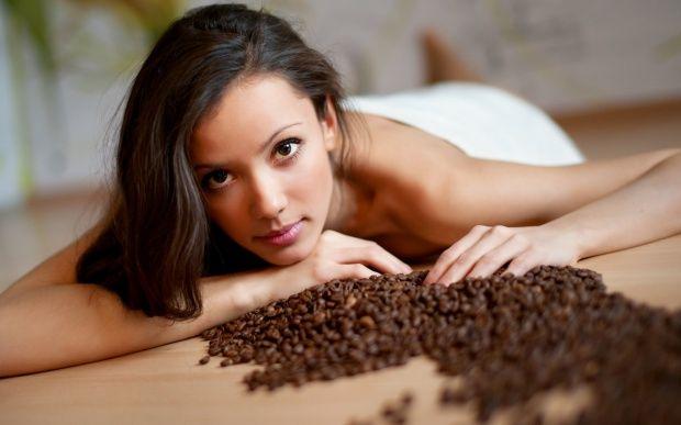3 рецепта скраба из кофе. Убрать целюлит, растяжки и подтянуть кожу
