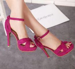 Descuento tacón negro sandalias tacón Venta caliente de la boda Sexy Zapatos Mujeres Sandalias Verano Fucsia Negro microfibra Stiletto talón tobillo Correa zapatos de tamaño 34 a 39