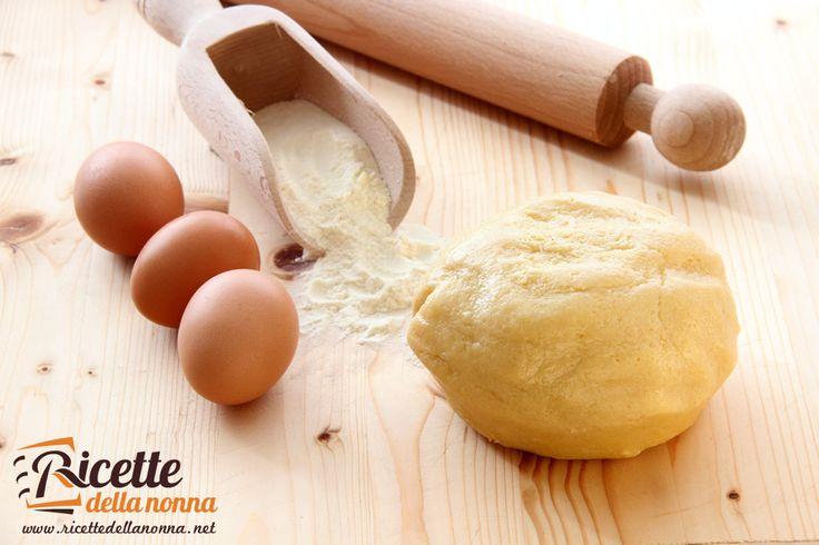 La pasta frolla e' uno degli impasti base della pasticceria. Si compone di pochi…