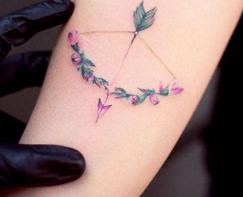 Você vai querer ter uma dessas tattoos de flores com cores suaves