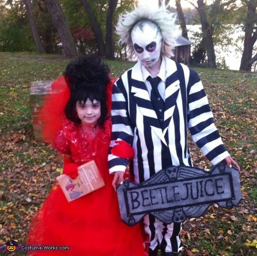 40 best halloween 2016 images on pinterest lydia beetlejuice beetlejuice lydia halloween costume contest at costume works solutioingenieria Gallery