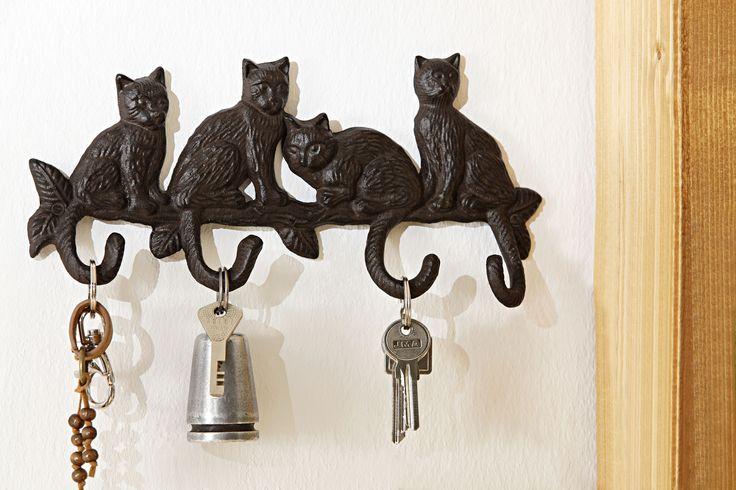 Крючки. Очаровательный декор с кошками!   #quelle #trends #fashion #style #brands #lifestyle #home #cats