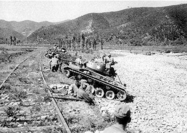 Chaffees at Masan - M24 Chaffee - Wikipedia