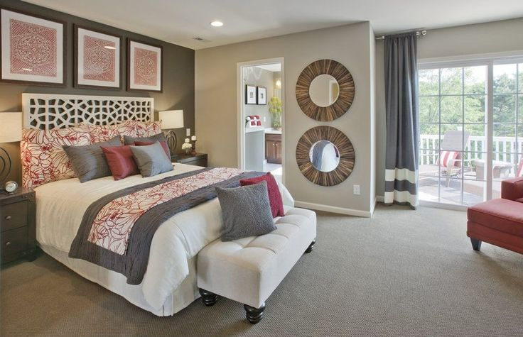 Photo credit: Zillow Digs Easy to translate for our bedroom. Expect to see solid accent walls, especially in red, fade away as wallpaper and textured wall coverings take the stage in 2015.