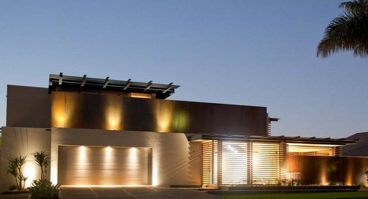 Modern Front House With Outdoor Recessed Lighting  The Advantages Of Outdoor Recessed Lighting Check more at http://www.bonsaikc.com/the-advantages-of-outdoor-recessed-lighting/