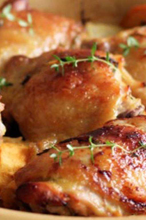 ΥΛΙΚΑ 4 ολόκληροι µηροί κοτόπουλο, χωρισµένοι στην κλείδωση, 1-2 σκελίδες σκόρδο, τριµµένες, 1 γεµάτη κουταλιά φυλλαράκια από φρέσκο θυµάρι, 6 κουταλιές ελαιόλαδο, 1 λεµόνι σε φετάκια ροδέλες, 3/4 φλ. ζωµό ... Read More