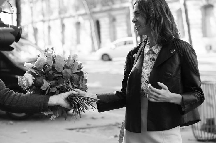 Longchamp Spring 2017 New Campaign. Discover it on http://en.longchamp.com/en/paris-alexa-chung