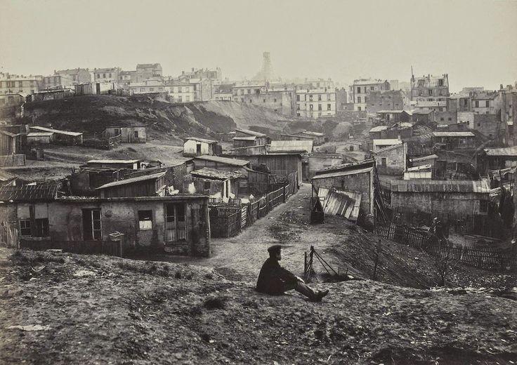 Du haut de la Rue Champlain vers 1877, quand la capitale était encore entourée de bidonvilles...