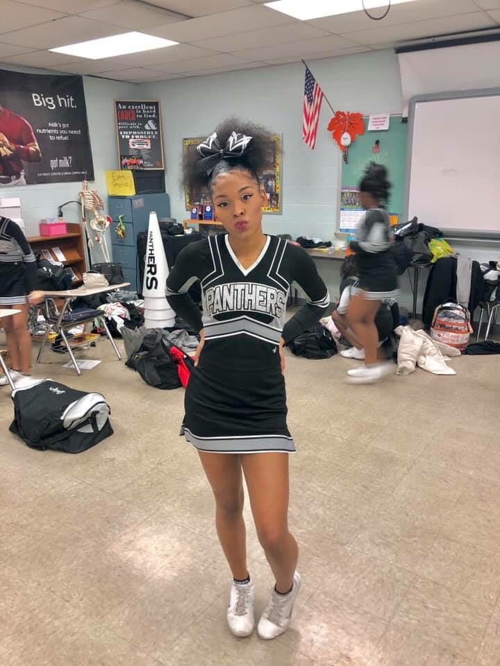 Love The Red Bow Cheer Forever Black Cheerleaders Black Girl Fitness Cheerleading Pictures