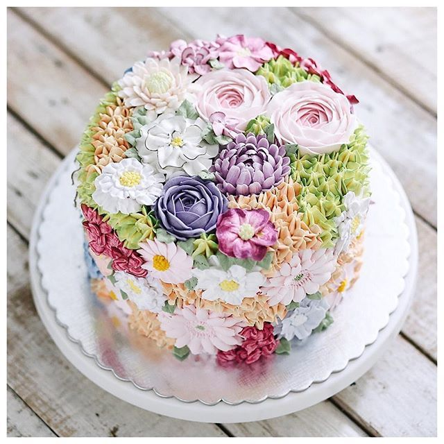 255 best Buttercream decorating images on Pinterest Petit fours