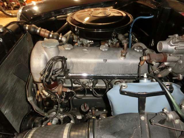 MERCEDES BENZ 220 S PONTON W180 II - AÑO 1957 - 2.195 CC., 100 CV, 6 CILINDROS, 4 VELOCIDADES, DOBLE CARBURACIÓN, TAPICERÍA DE CUERO, 5 PLAZAS, INTERIOR DE MADERA, RADIO BECKER BRESCIA, TUBO DE ESCAPE DE ACERO INOXIDABLE, MATCHING NUMBERS, RESTAURACIÓN RECIENTE, PERFECTO ESTADO, CORRECTO FUNCIONAMIENTO, ESTRENADO EN ESPAÑA, MATRÍCULA ORIGINAL (M), DOCUMENTACIÓN e ITV AL DÍA.  PRECIO: 29.000.- €  MÁS INFORMACIÓN EN: http://www.antequeraclassic.com/catalogo/mercedes-benz-220s-ponton-1957