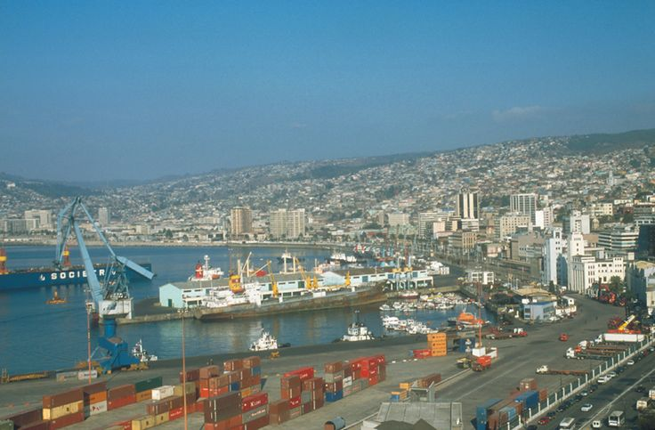 Valparaiso by First Premium Travel, Always the best of Chile. #puerto #port #mar #sea #patrimonio #heritage #ascensores #elevator #playa #beach