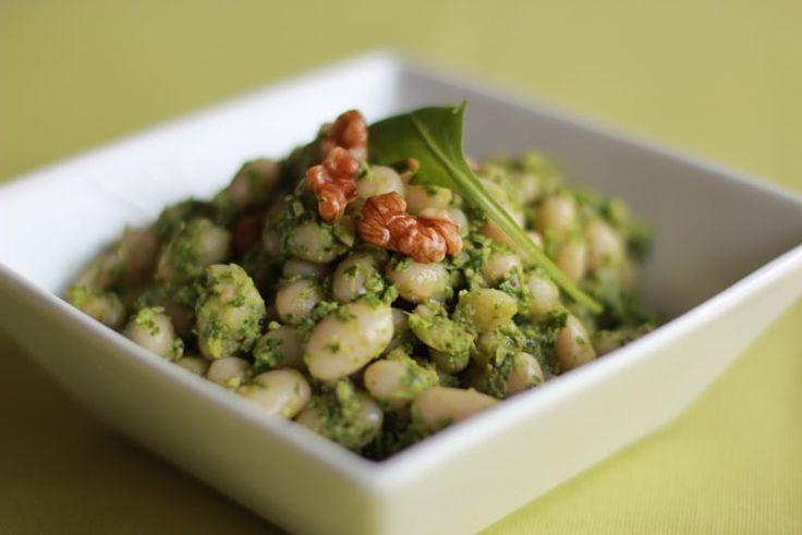 Une recette inratable de Salade de mogettes au pesto de roquette Thermomix sur Yummix • Le blog culinaire dédié au Thermomix !