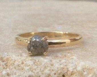 Anillo de diamante azul crudo / / gemas escondidas banda de