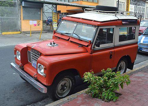 SAN JOSE, COSTA RICA - Land Rover/ САН-ХОСЕ, КОСТА-РИКА - Ленд-Ровер http://ift.tt/1TCSSqr
