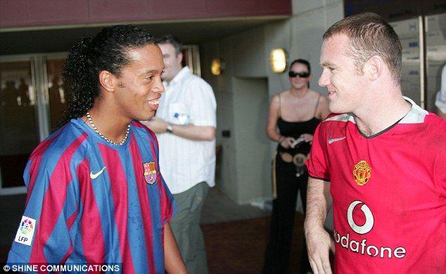 Ronaldinho Peringatkan Rooney Tentang Transfer ke China